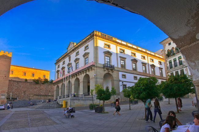 Bolsa Auxiliares Administrativos Ayuntamiento Cáceres 2015 opositaonline.com